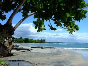 Plaja Mahambo, pe coasta de est a Insulei